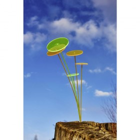 Lumix napfogós lámpa a kertben
