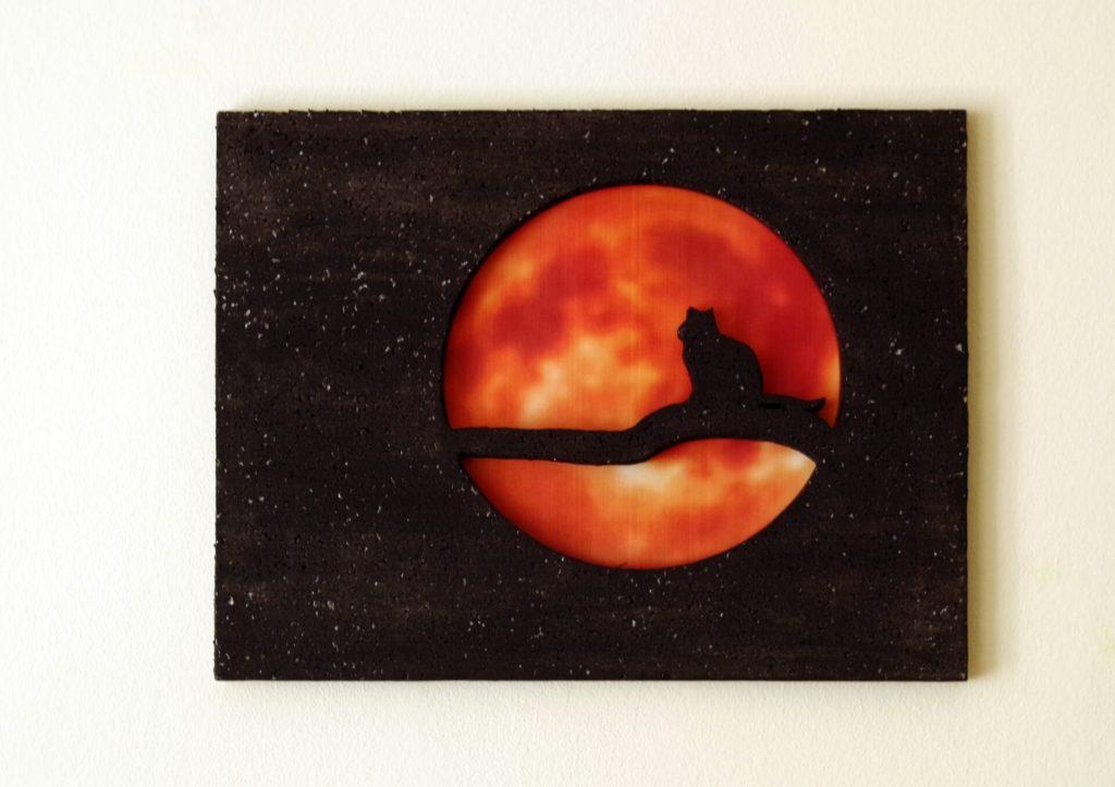 Falikép holddal